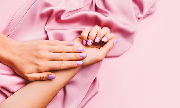 Manicurebehandeling + evt. gellak