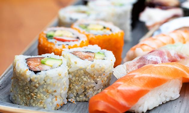 Afhalen: sushibox naar keuze bij 't Stationneke