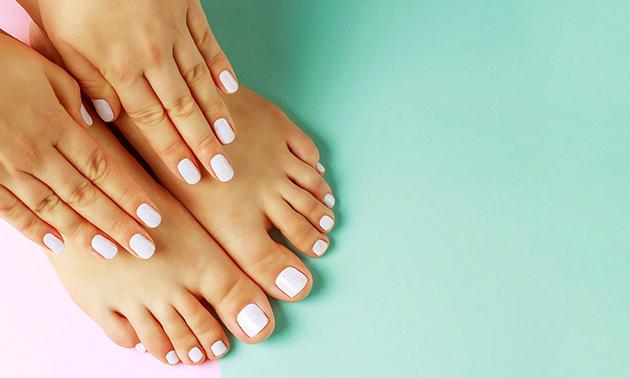 Cosmetische manicure- of pedicurebehandeling