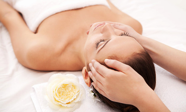 Gezichtsbehandeling (60 min) bij Beauty & Skin