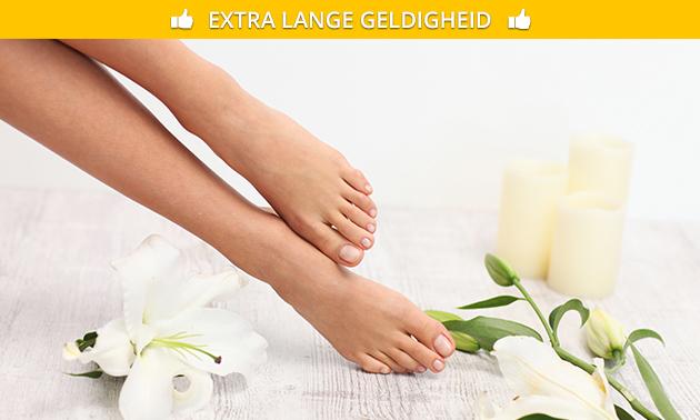 Pedicurebehandeling + gellak (45 of 60 min)