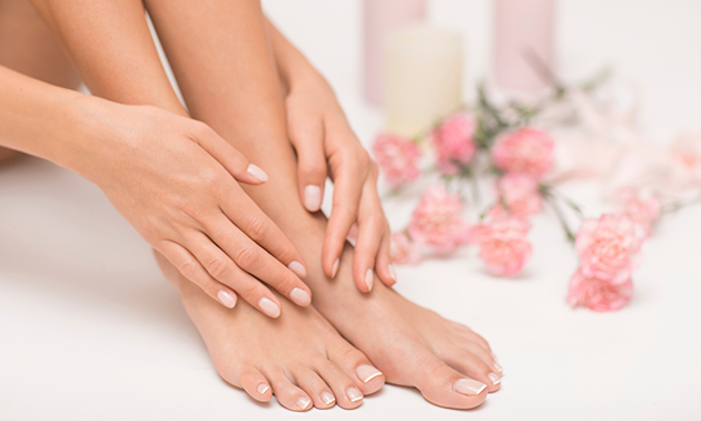 Gellak + manicure- of pedicurebehandeling