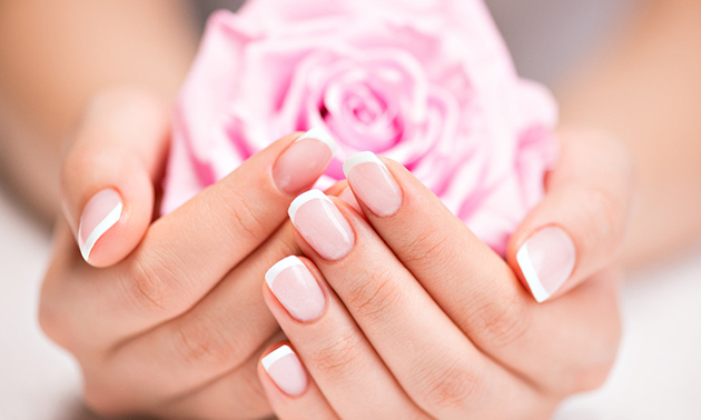 BIAB-nagelbehandeling + evt. gellak