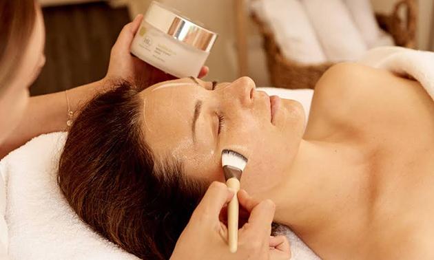 Premium gezichtsbehandeling (60 of 90 minuten)