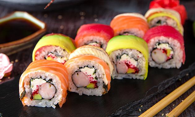 Afhalen: sushibox (20 stuks + salade of 36, 52 of 58 stuks)