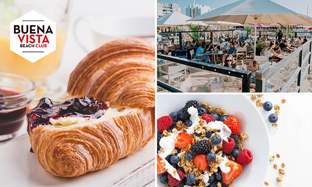 Ontbijt aan het strand van Scheveningen