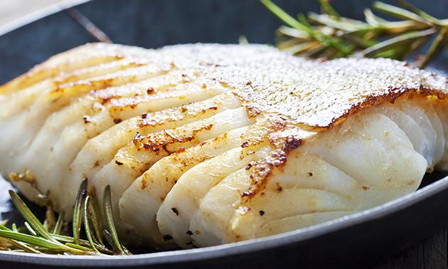 Afhalen: vismenu met friet + saus + rauwkost + drankje