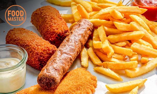 Afhalen: gezinszak friet + 4 snacks bij Bunch2Go