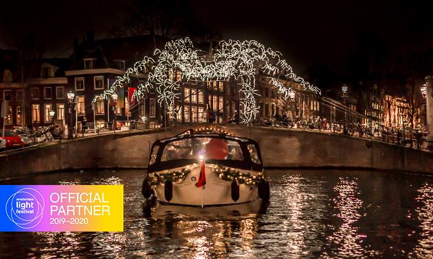 Rondvaart + drankje tijdens Amsterdam Light Festival