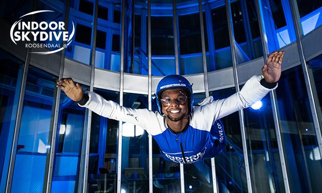 3, 4 of 5 sessies indoor skydiving