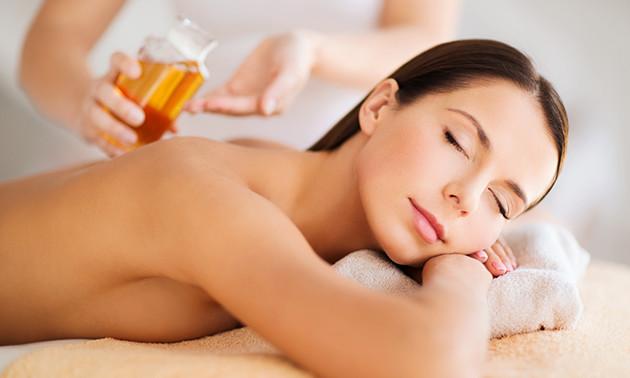 Massage (45 min) + scrub in hartje Amsterdam