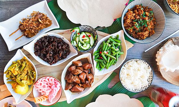 Afhalen: diner met saté + bijgerecht + kroepoek