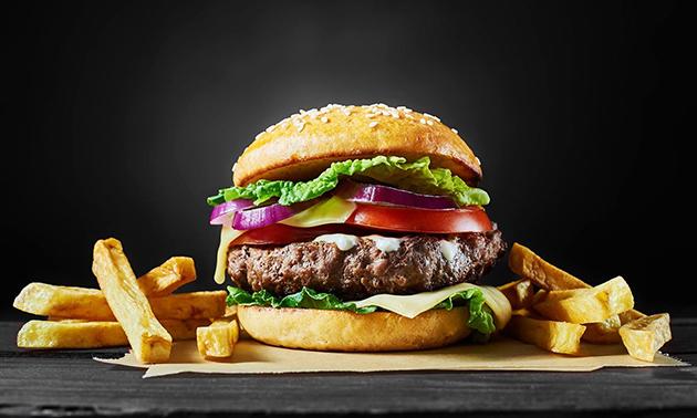 Zum Abholen: Burger oder Wrap + Pommes + Dips + Getränk
