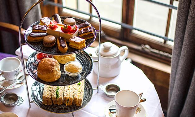 Thuisbezorgd of afhalen: high tea of cupcakes (6 stuks)