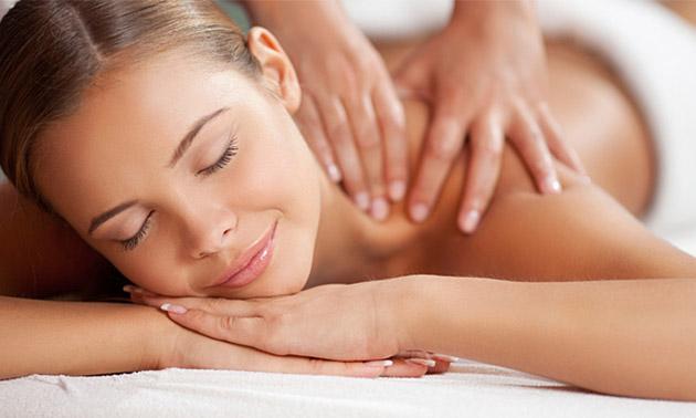 Massage (60 min) + scrub voor 1 of 2 personen