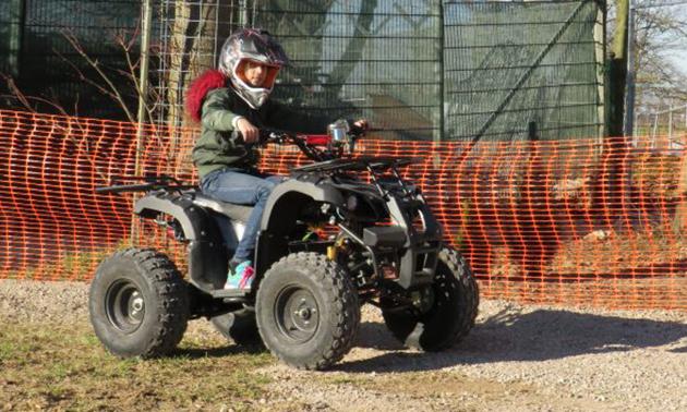 Quad Fahren (30 Minuten) für Kinder inklusive Helm