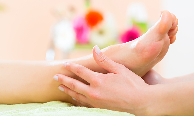 Voetreflextherapie (45 min) + evt. voetenscrub