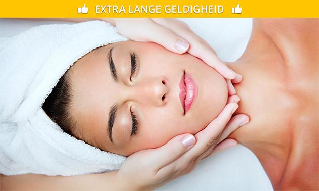 Gezichtsbehandeling + bindweefselmassage (75 min)