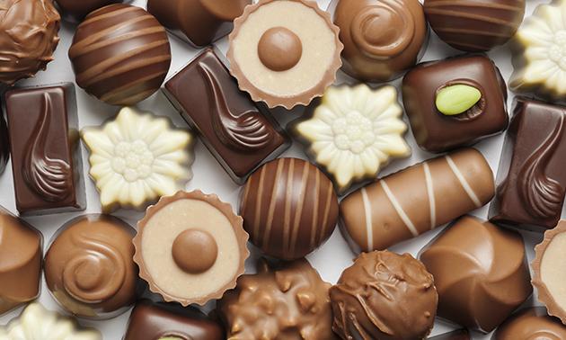 Afhalen: doosje luxe bonbons (500 gram) in hartje Drachten