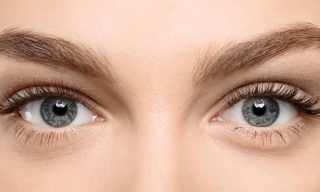 Wenkbrauwen verven + shapen, hennabrows of brow lift