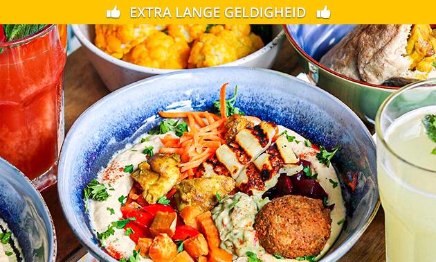 Afhalen: hummus bowl naar keuze + sapje