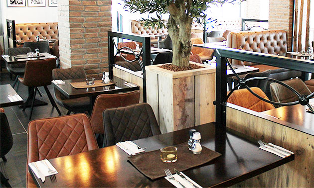 De Eetkamer Uden : Dsc large g picture of brasserie de eetkaamer uden